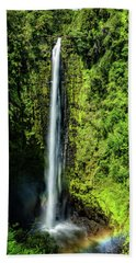 Akaka Falls With Rainbow Beach Towel