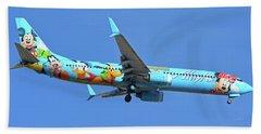 Alaska 737-990 N318as Spirit Of Disneyland Phoenix Sky Harbor November 27 2017 Beach Towel