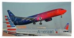 Alaska Boeing 737-900 N493as More To Love Phoenix Sky Harbor October 27 2017 Beach Towel