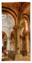 Poissy, France - Altar, Notre-dame De Poissy Beach Towel