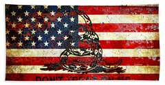 American Flag And Viper On Rusted Metal Door - Don't Tread On Me Beach Sheet