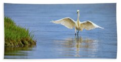 An Egret Spreads Its Wings Beach Towel