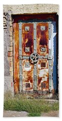 An Old Rusty Door In Katakolon Greece Beach Sheet
