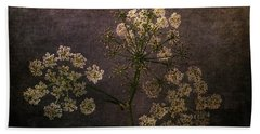 Beach Towel featuring the photograph Anthriscus Sylvestris by Randi Grace Nilsberg