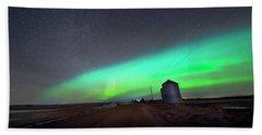 Beach Towel featuring the photograph Arc Of The Aurora by Dan Jurak