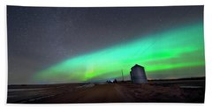 Beach Sheet featuring the photograph Arc Of The Aurora by Dan Jurak