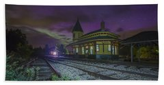 Aurora Over The Crawford Notch Depot Beach Towel