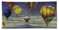 Balloons Over Sister Mountains Beach Towel