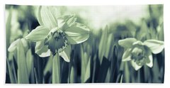 Beautiful Daffodil Beach Towel
