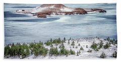 Beautiful Icelandic Landscape Beach Sheet