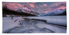Beauty Creek, Jasper National Park Beach Towel
