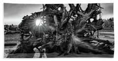 Big Tree On The Beach At Sunrise In Monochrome Beach Towel