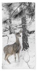 Black And White Mule Deer In Heavy Snowfall Beach Towel