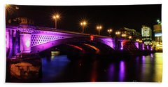 Blackfriars Bridge Illuminated In Purple Beach Towel