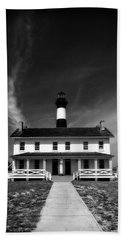 Beach Towel featuring the photograph Bodie Light And Keepers Quarters by Alan Raasch