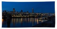 British Symbols And Landmarks - Millennium Bridge And Thames River At Low Tide Beach Towel