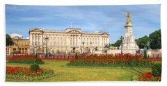 Buckingham Palace And Garden Beach Towel