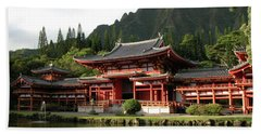 Beach Towel featuring the photograph Byodo-in Temple, Oahu, Hawaii by Mark Czerniec