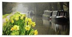 Canalside Daffodils Beach Towel