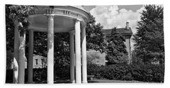 Chapel Hill Old Well In Black And White Beach Towel