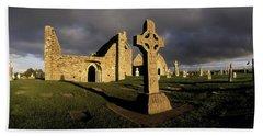 Clonmacnoise Monastery, Co Offaly Beach Towel