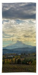 Cloudy Day Over Mount Hood At Hood River Oregon Beach Towel