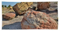 Colorful Boulders In The Bentonite Site On Little Park Road Beach Towel