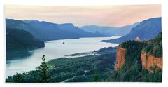 Columbia River With Vista House Beach Towel