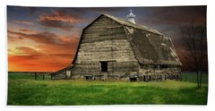 Country Barn Beach Towel