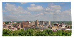 D39u118 Youngstown, Ohio Skyline Photo Beach Towel