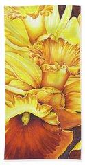Daffodil Drama Beach Towel