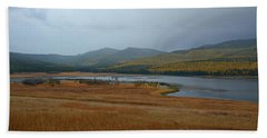 Dahl Lake In Autumn Beach Sheet