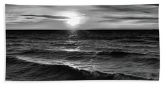 December 20-2016 Sunrise At Oro Station Bw  Beach Sheet by Lyle Crump