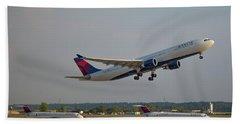 Delta Airlines Jet N827nw Airbus A330-300 Atlanta Airplane Art Beach Sheet