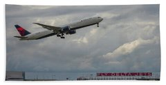 Delta Airlines Jet N836mh Hartsfield Jackson International Airport Art Beach Towel