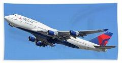 Delta Boeing 747-451 N667us Phoenix Sky Harbor October 7 2017  Beach Towel