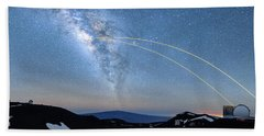 Double Lasers With The Milky Way Panorama Beach Towel