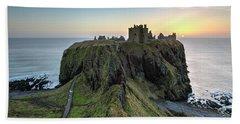 Dunnottar Castle At Sunrise Beach Sheet