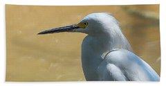 Egret Pose Beach Towel