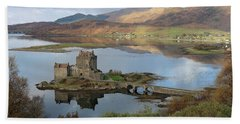 Eilean Donan Castle In Autumn - Panorama Beach Towel
