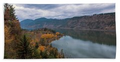 Fall Color At Ruthton Point In Hood River Oregon Beach Towel