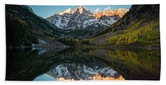 Fall Sunrise At Maroon Bells Beach Sheet