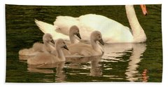 Family Swan  Beach Towel