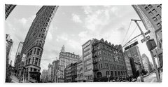 Flatiron Building With Iconic Yellow Taxi Beach Towel