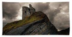 Forgotten Castle In Ballybunion Beach Towel
