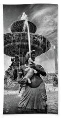 Beach Towel featuring the photograph Fountain On Place De La Concorde - Paris by Barry O Carroll
