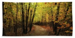 Frontenac State Park In Autumn Beach Towel