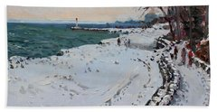 Frozen Shore In Oakville On Beach Towel