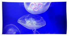 Graceful Jellies - Ballerinas Of The Sea Beach Sheet
