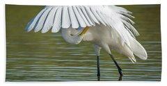 Great Egret Preening 8821-102317-2 Beach Sheet